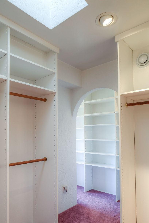Lena Br1 Closet