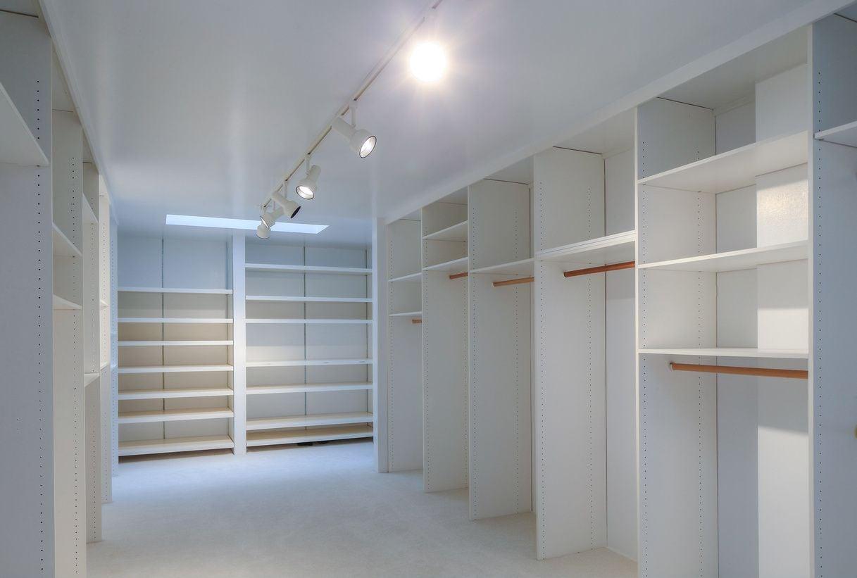 Lena Mbr Closet