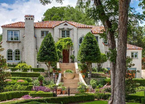 Kessler Park Homes for Sale in Dallas – Houses for Sale in Dallas – Dallas Homes for Sale - Caribbean Real Estate -Eakin Realtor Group Dallas