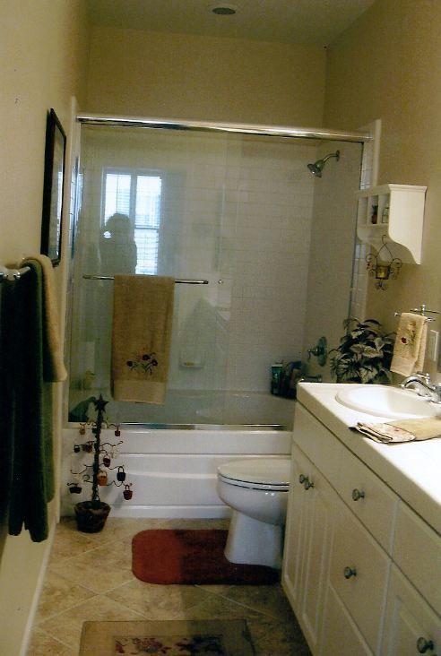 Spotless Chic Ventura Condo master bath