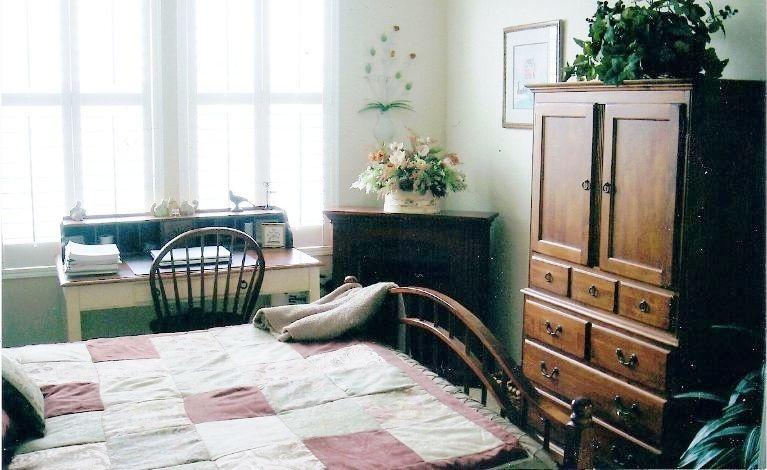 Spotless Chic Ventura Condo master bedroom