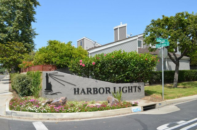 Habor Lights Community Entranche