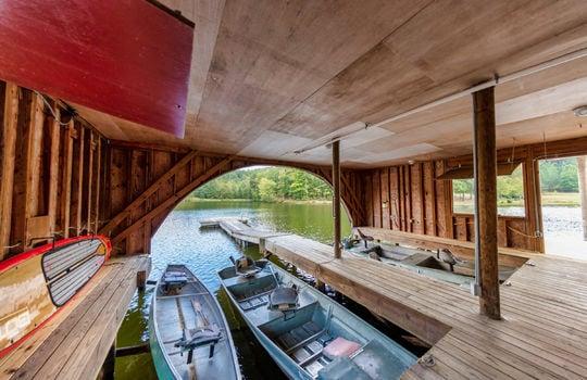 511-farm-lake-rd-35173-boathouse-interior