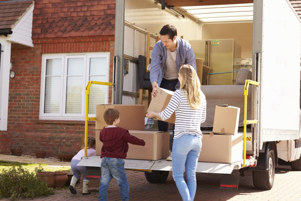 5-ways-to-make-a-cross-country-move-go-smoothly- image