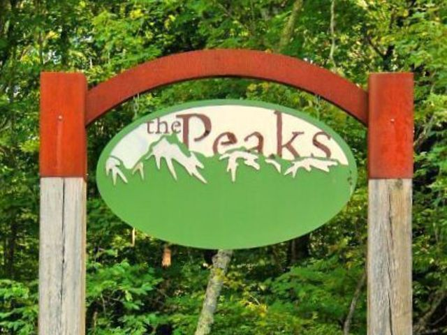The Peaks/Peaks Village