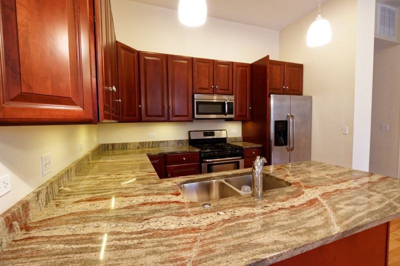 Luxury 3 bed in heart of Andersonville | Laundry In Unit ...