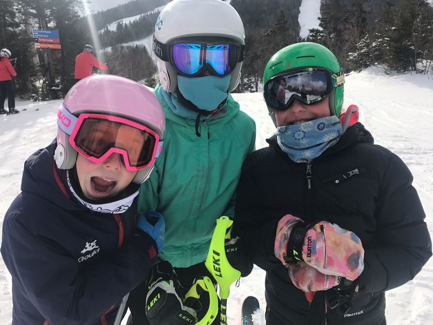 Kids in ski gear