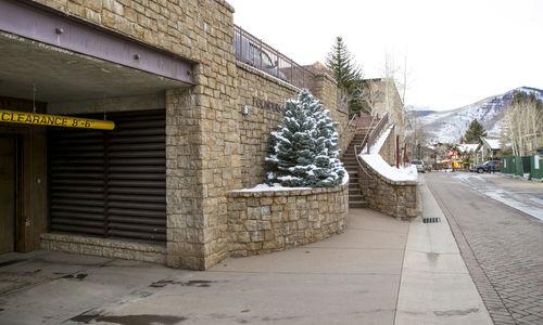 Founders Parking Garage