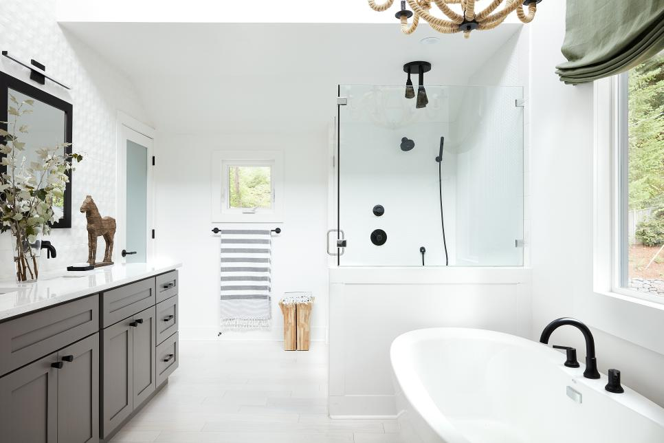 2018-hgtv-dream-home-master-bathroom-1