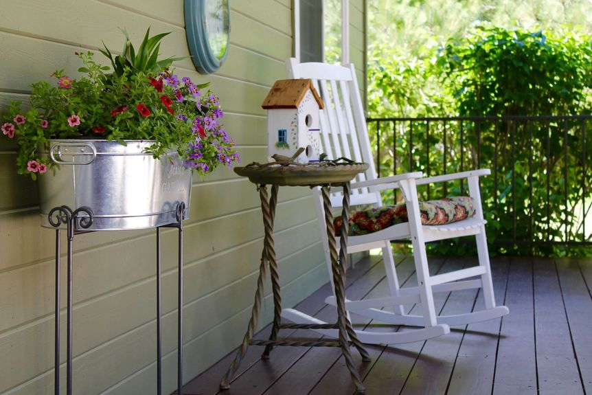 Charming Porch in Woodmoor