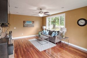 14710 SE 262nd St Kent WA Living Room
