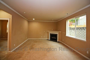 17016 140th Ave Puyallup family room