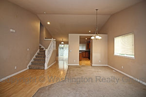 17016 140th Ave Puyallup Living Room