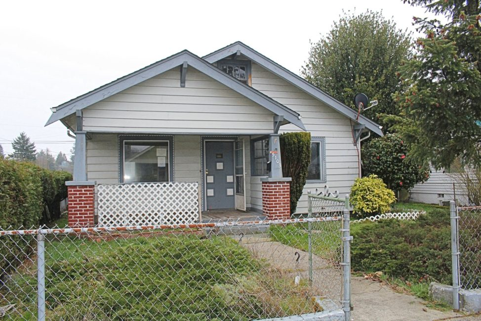 Front of home located at 5103 S Oakes St Tacoma Wa