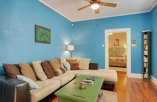 1812 1814 Burdette St - living room