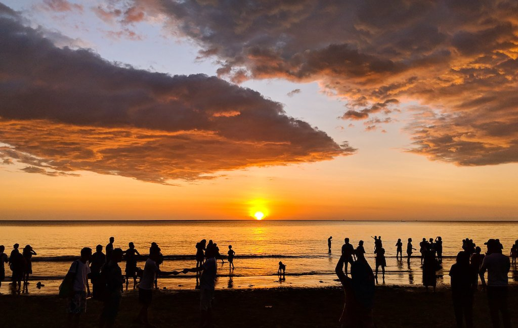 sunsets-beach-town-playa-grande-guanacaste-real-estate