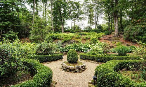 1420-highgate-rd-highlands-nc-garden
