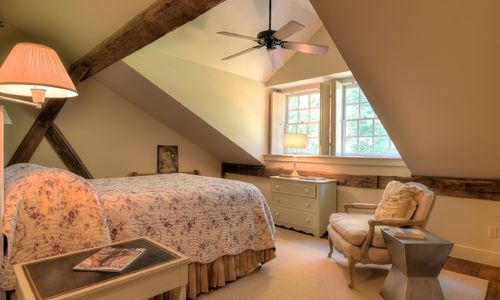 1420-highgate-rd-highlands-nc-upstairs-bedroom-2