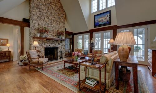 945-brushy-face-highlands-nc-living-room