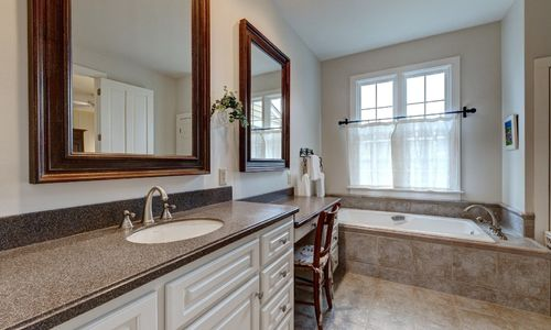 945-brushy-face-highlands-nc-master-bathroom