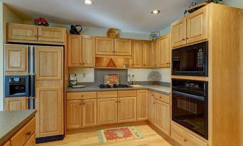 238-crescent-trail-highlands-nc-kitchen-v3
