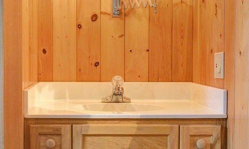 389-deer-run-highlands-nc-bath