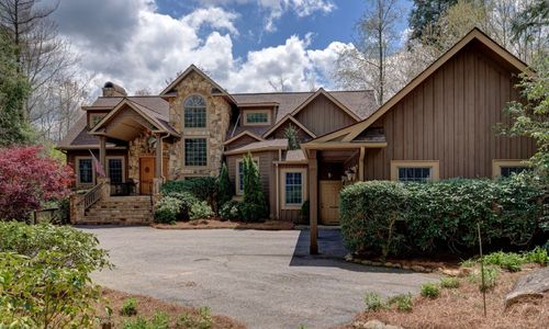 308-crescent-trail-highlands-nc-exterior-1
