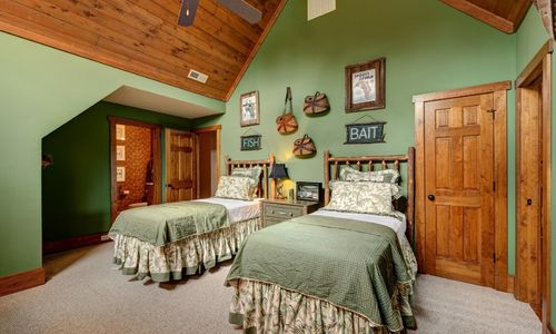 510-fariway-drive-lake-toxaway-nc-resized-22