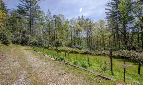 20-edd-henry-road-highlands-nc-89