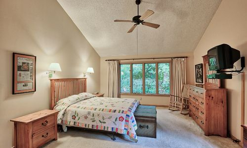29-Winterberry-Court-Highlands-NC-17