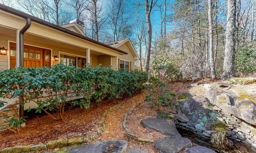219-Crescent-Trail-Highlands-NC-34