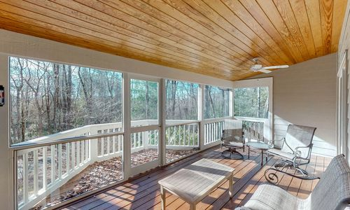 219-Crescent-Trail-Highlands-NC-67