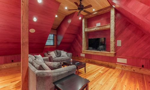 41-Chimney-Point-Lake-Toxaway-NC-Carriage-House-10