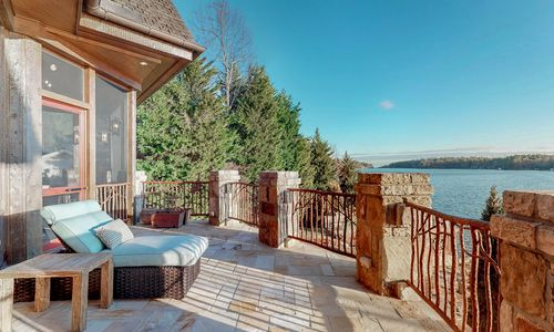 41-Chimney-Point-Lake-Toxaway-NC-Ext-31