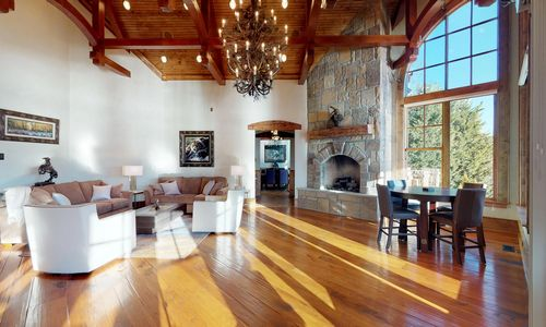 41-Chimney-Point-Lake-Toxaway-NC-Great-Room-01