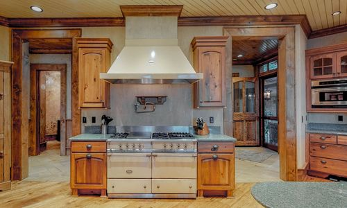 41-Chimney-Point-Lake-Toxaway-NC-Kitchen-10