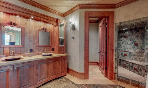 41-Chimney-Point-Lake-Toxaway-NC-Lower-Level-Bedroom-Suites-01