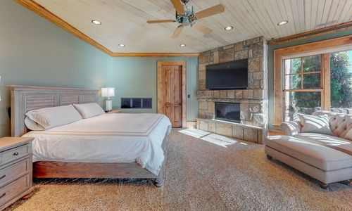 41-Chimney-Point-Lake-Toxaway-NC-Lower-Level-Bedroom-Suites-02