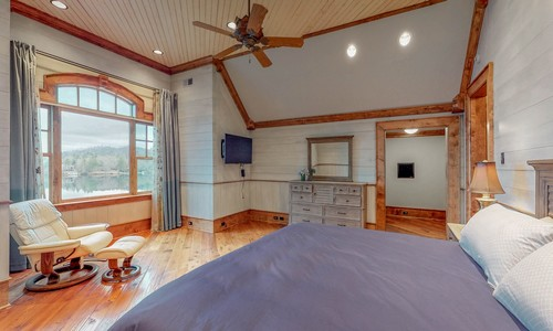 41-Chimney-Point-Lake-Toxaway-NC-Upper-Level-BRs-16