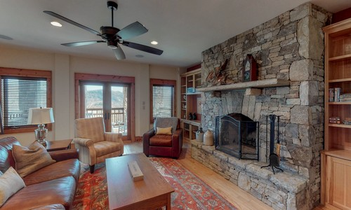357-Rock-Mountain-Sapphire-NC-Lower-Level-Bar-Family-Room-Common-Spaces_6