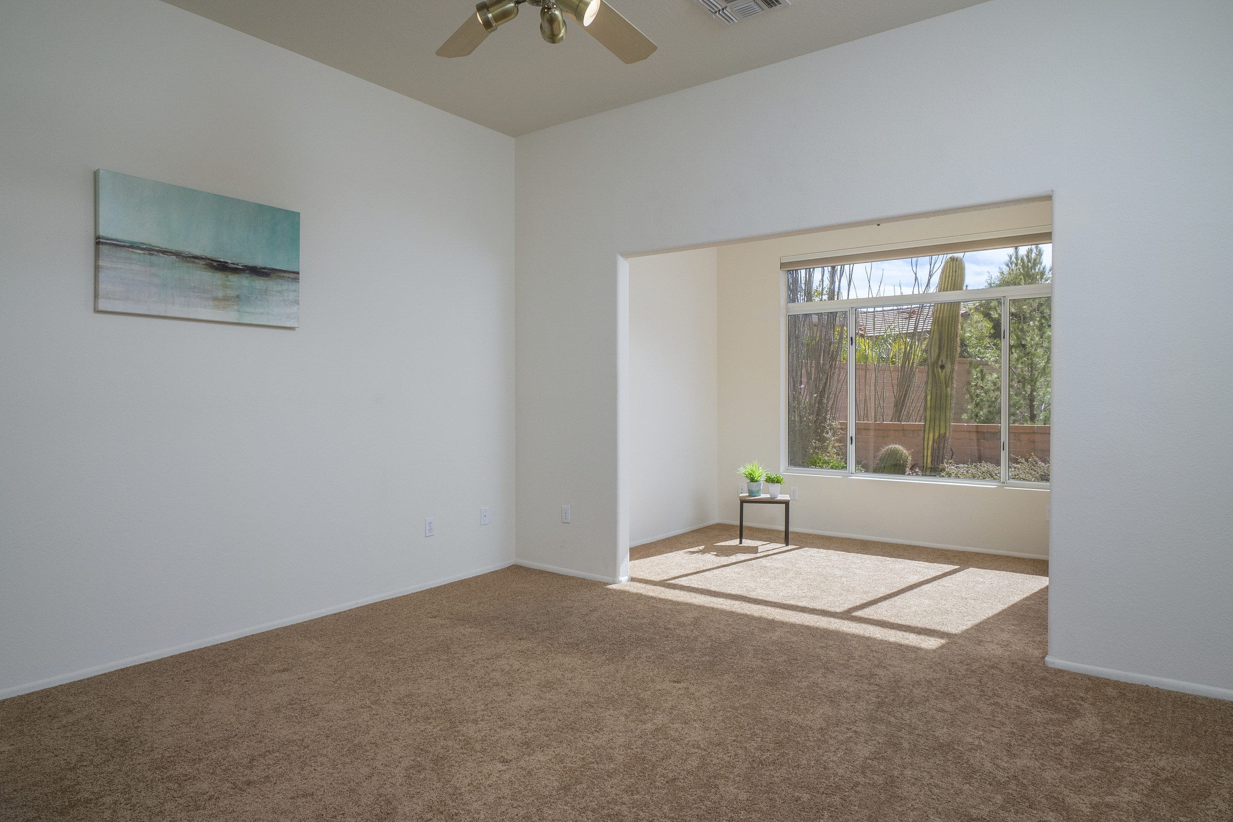 Huge Master Bedroom With Sunlit Sitting Space Thepropertyaces Com