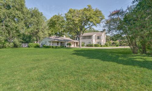 Preston Hollow Home Backyard