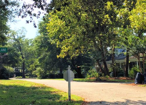 Oak Village at Airlie