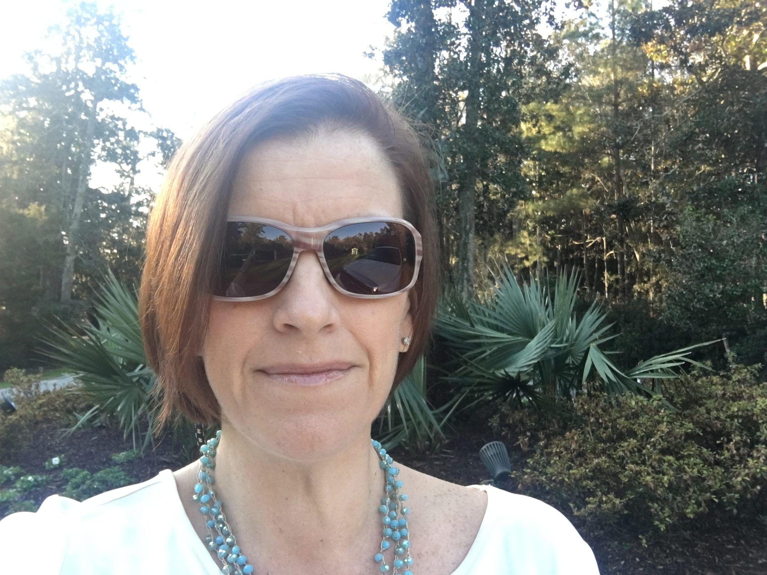 Melanie Cameron at Airlie Gardens