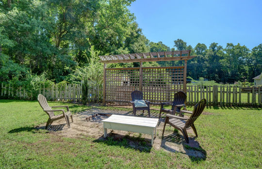 111 Double Eagle Road, Burgaw, NC 28425