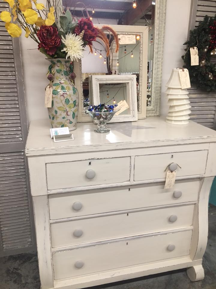 Scotts Hill Market Shabby Chic Dresser