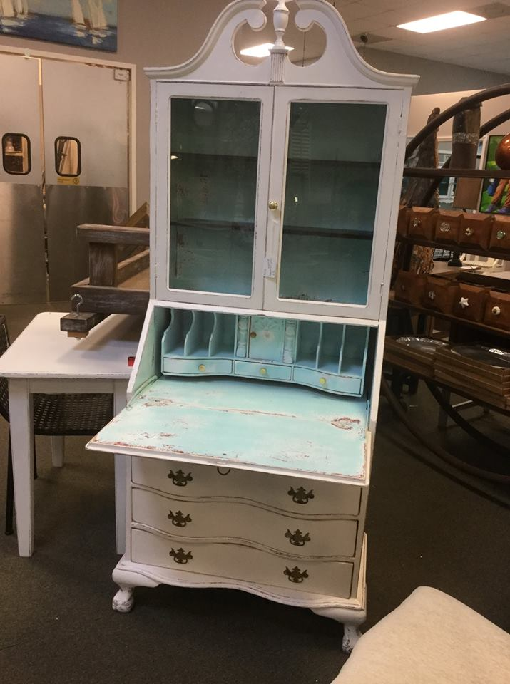 Uptown Market - Shabby Chic Writing Desk