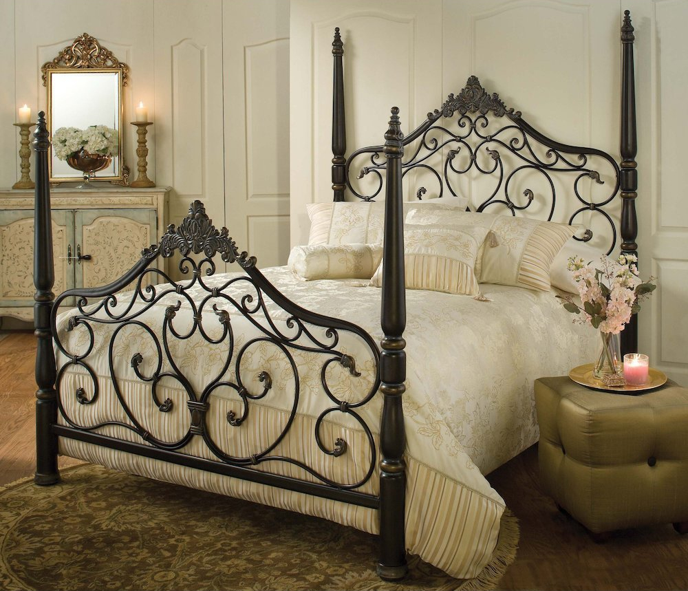 Bison Office - Parkwood Black and Gold Four-Poster Bed