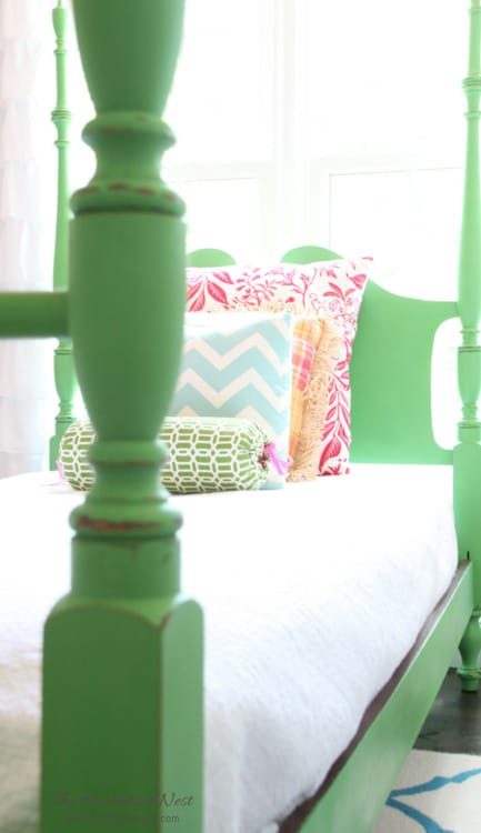 Heathered Nest - DIY Green Chalk Paint Four-Poster Bed