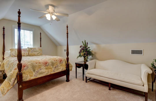 Bedroom 4 - FROG